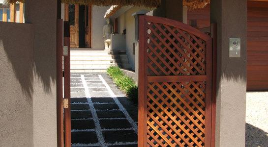 entrance exterior - 04